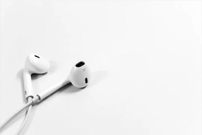 cara merawat earphone agar awet